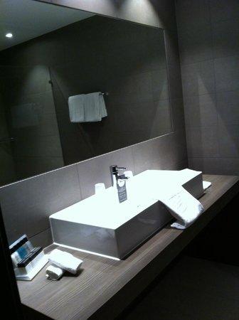 Badkamer - Foto van Van der Valk Hotel Dordrecht, Dordrecht ...