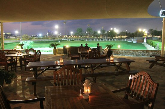 The pavilion foto di abu dhabi city golf club abu dhabi for Abu dhabi country club salon