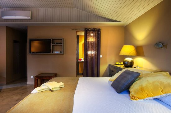 Karibuni Lodge: chambre jaune