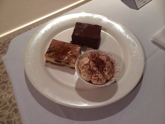 Hyatt Regency Perth : Room service $18 dessert plate. Tirramasu absolutely lovely! Not the cheesecake or cake though.