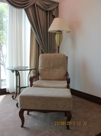 Grand Hyatt Dubai: Lounge Chair in My Room