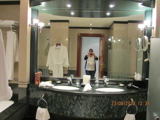 Grand Hyatt Dubai: Clean Bathrooms