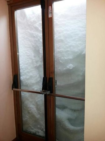 Hotel Il Fraitevino: porta con maniglione antipanico per emergenza