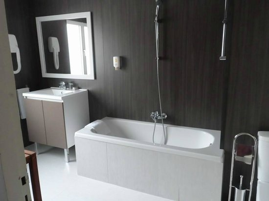 Bristol Hotel : Bathroom