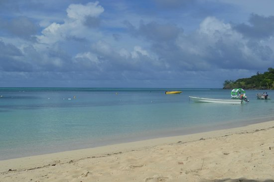 Mana Island Resort: South Beach
