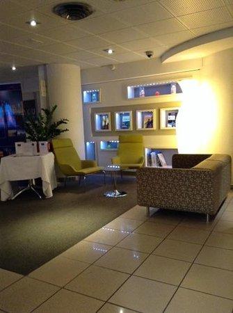 Hotel Novotel Annecy Centre Atria : Lobby 4