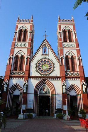 The Basilica of the Sacred Heart of Jesus: Photo from Entrance
