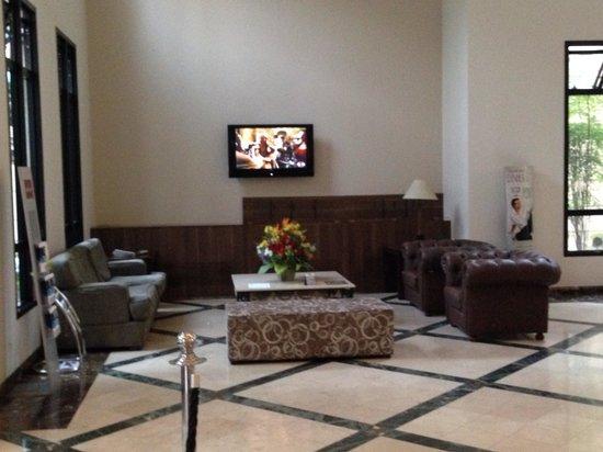 Mercure São Paulo Pinheiros Hotel: Lounge do hotel