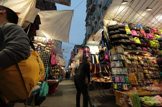 J3 Private Tours Hong Kong: Fun at the markets
