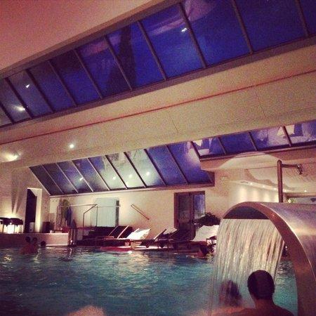 Hotel Europa Terme : Piscina la sera