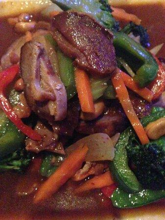 Tuptim Thai: Crispy Duck on vegetables-super!