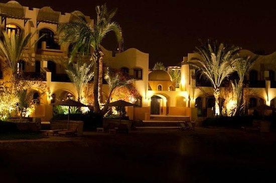 Dawar El Omda : Вечерняя подсветка