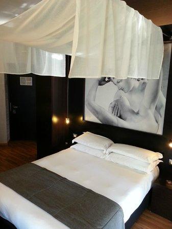 Hotel Dharma: Great room