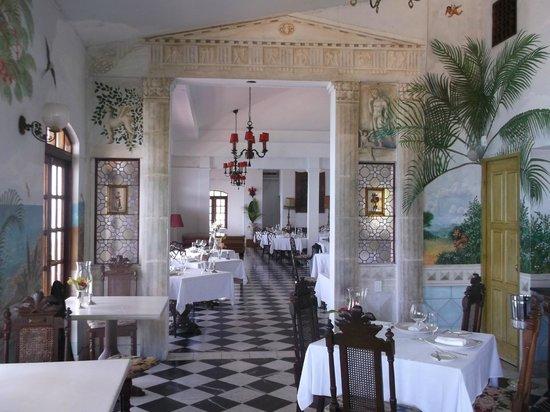 Horned Dorset Primavera: restaurant