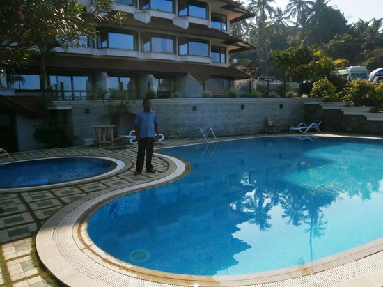 Hindustan Beach Retreat: Nice Pool Area