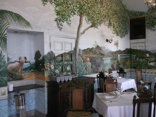 Horned Dorset Primavera: more murals in restaurant