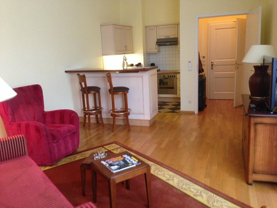 Louisa's Place: Living room & Kitchen