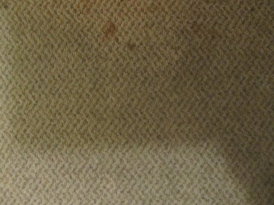 Hotel Kinsuien: stains on the floor
