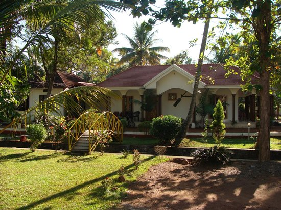 Coconut Creek Farm and Homestay Kumarakom : A nature's bliss.....The homestay with beautiful garden