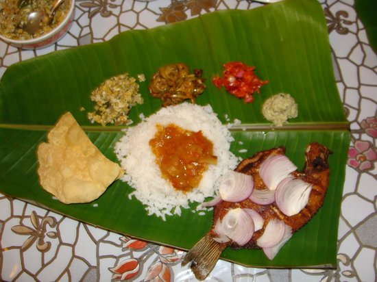 Coconut Creek Farm and Homestay Kumarakom: A nature's bliss.....Tasty Lunch prepared by Lalchan