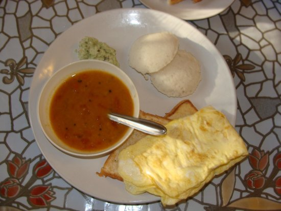Coconut Creek Farm and Homestay Kumarakom: A nature's bliss.....Yasty breakfasy cooked by Lalchan