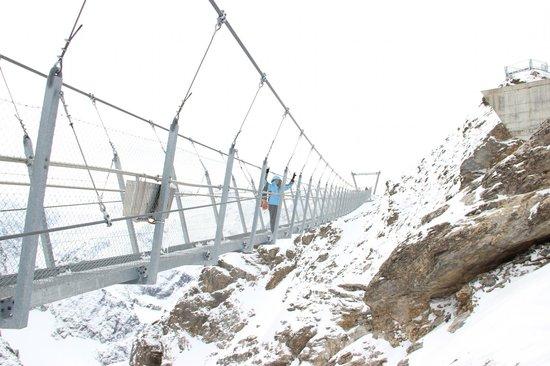 Titlis Cliff Walk