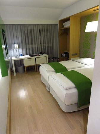 NH Berlin Potsdamer Platz: Room 616