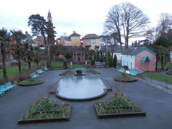 Hotel Portmeirion: The square