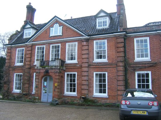 The Norfolk Mead Hotel: The front of the hotel