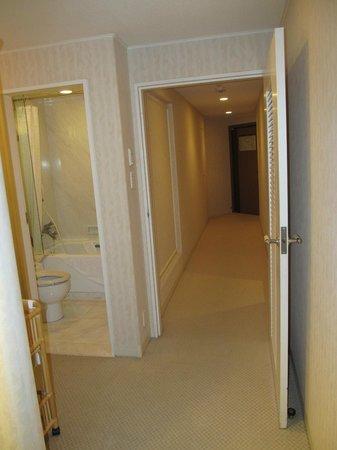 Sheraton Grande Ocean Resort: huge corridor