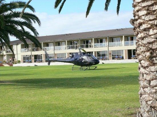 Copthorne Hotel & Resort Bay of Islands : view towards bedroom