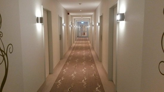 Holiday Inn Munich Unterhaching: Corridoio