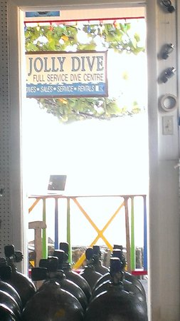 Jolly Dive Center: When reading to our PADI theory excam :)