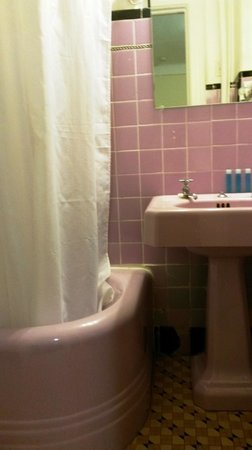 Hotel Deauville : Del av badrum