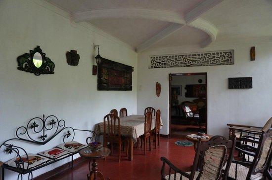 Shangri-La : Intérieur maison