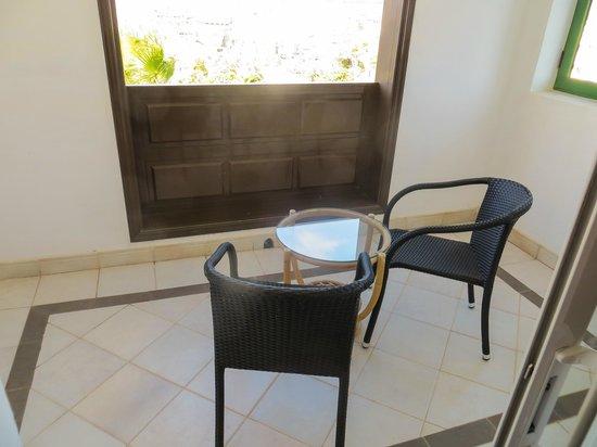 Hotel THe Volcan Lanzarote : room 659 enclosed balcony no sun