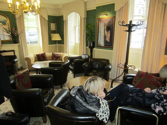 The Old Hall Hotel: Lounge