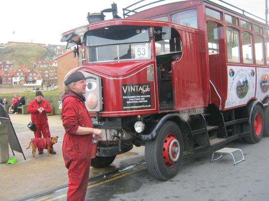 Whitby Steam Bus: Vern & Viv with Elizabeth