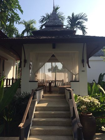 Nakamanda Resort & Spa: The veranda outside every villa