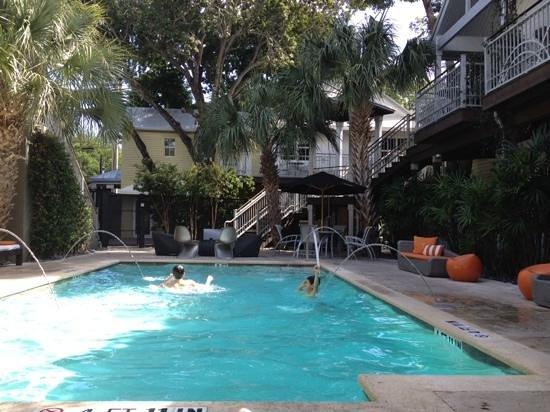 Truman Hotel : piscine ombragée
