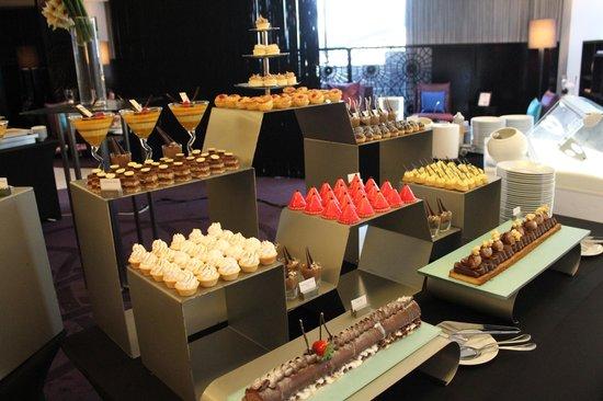 W Doha Hotel & Residences: Buffet