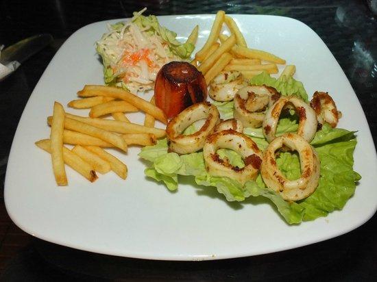Fern Boquete Inn: Grilled calamari dish