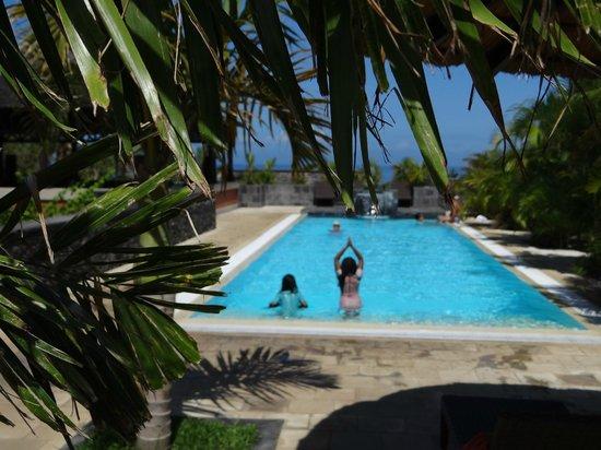 Iloha Seaview Hotel: Piscine côté Guetali