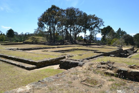 Iximche: Ruins of the Governors Palace in Plaza A