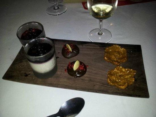 Iloha Seaview Hotel: Mignardises menu St Valentin