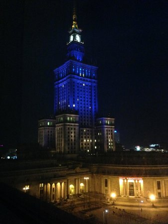 InterContinental Hotel Warsaw: Night time view from room on 8th floor