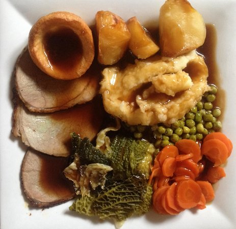 Eat your heart out: This is what a REAL EYHO roast dinner looks like!