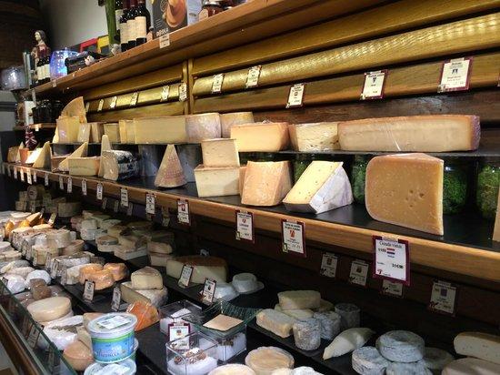 """Context Paris Tours : A cheese shop on the """"Baguette to Bistro"""" tour"""