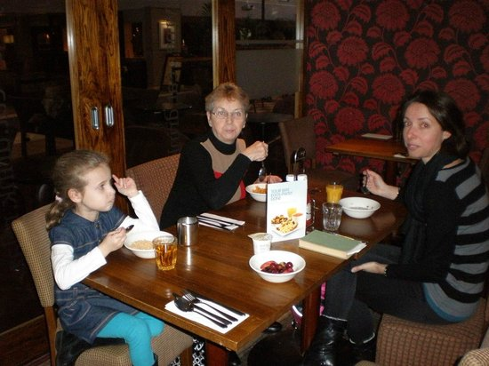 Premier Inn London Heathrow Airport (Bath Road) Hotel: three of our group at breakfast