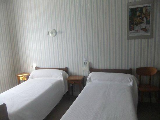 Hotel du Trinquet : Chambre pour 2,3 ou 4 personnes